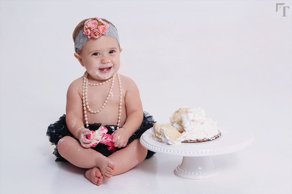 cake smash one year photo session